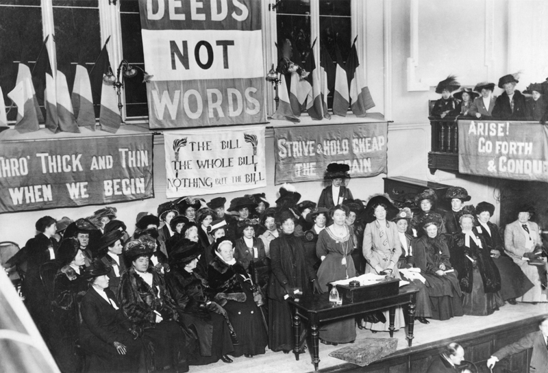 Suffragettes,_England,_1908
